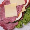 1043 Salami XXL Südländer: Salami Südländer Art, Paprika, Tomate, Salat, Ei, Maasdamer Käse