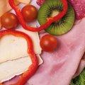 3019 Winzerfrühstück: Salami Südländer Art, Farmerschinken, Butterkäse, Paprika, Trauben, Salat