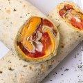 2021 Breakfast : Tortilla, Pfeffermayonnaise, Tomaten, Chester, Spiegelei, Bratkartoffeln, Bacon